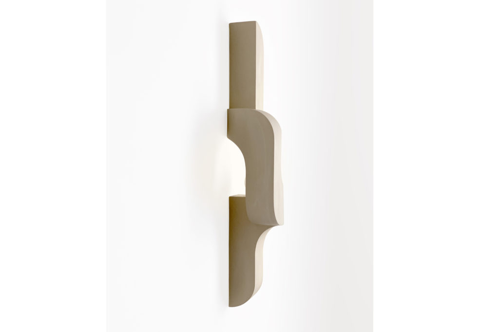 Farrah_Sit_Serpentine_Sconce