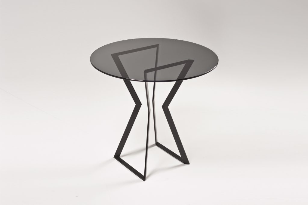 Noir-glass-table-2